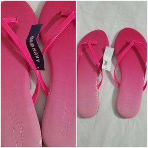 Old Navy pink flip flops